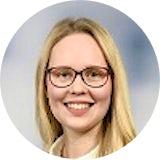 Lisa Hebgen startete 2018 als Praktikantin im Bereich Tax & Legal, Mergers & Acquisitions. Im Januar 2019 ist sie fest eingestiegen und berichtet im Interview über ihren Alltag und ihre Aufgaben.